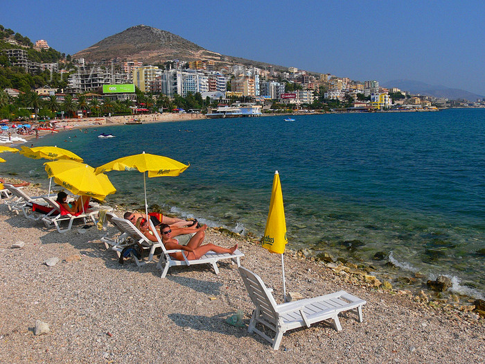 Sarandë, Vlorë County, Albania: beach scene - chairs by the Ionian sea - Albanian Riviera - photo by J.Kaman