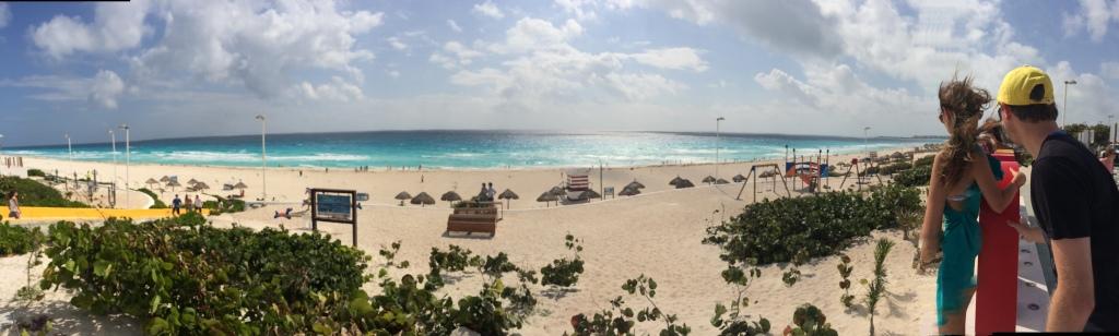 panoramica de uma das praias de cancun