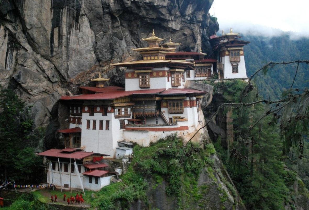 tigers-nest-taktsang-monastery-bhutan