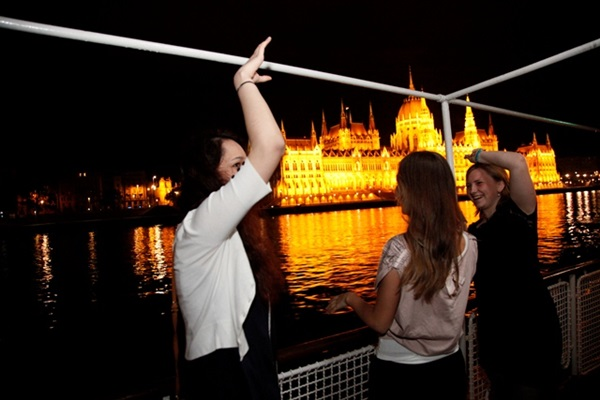 budapest_boat_party