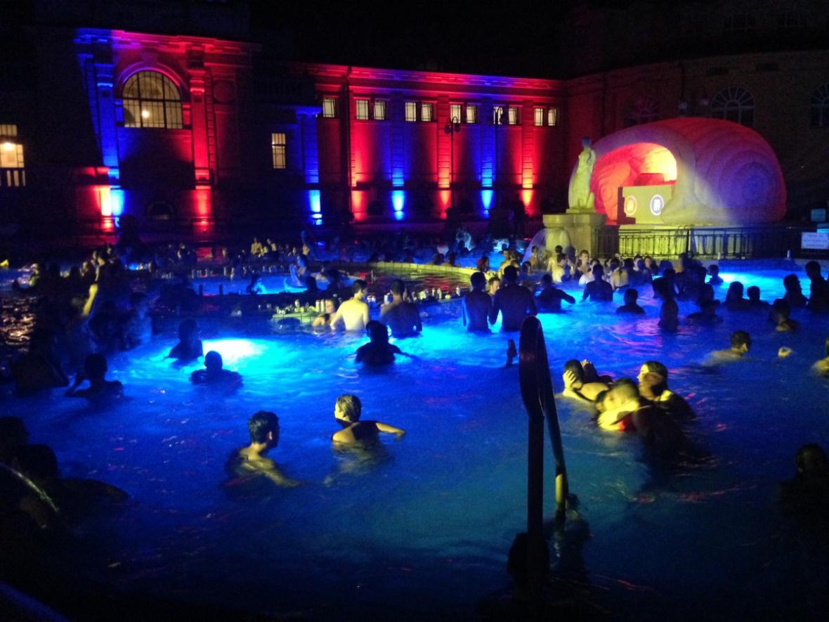 budapest_bathparties