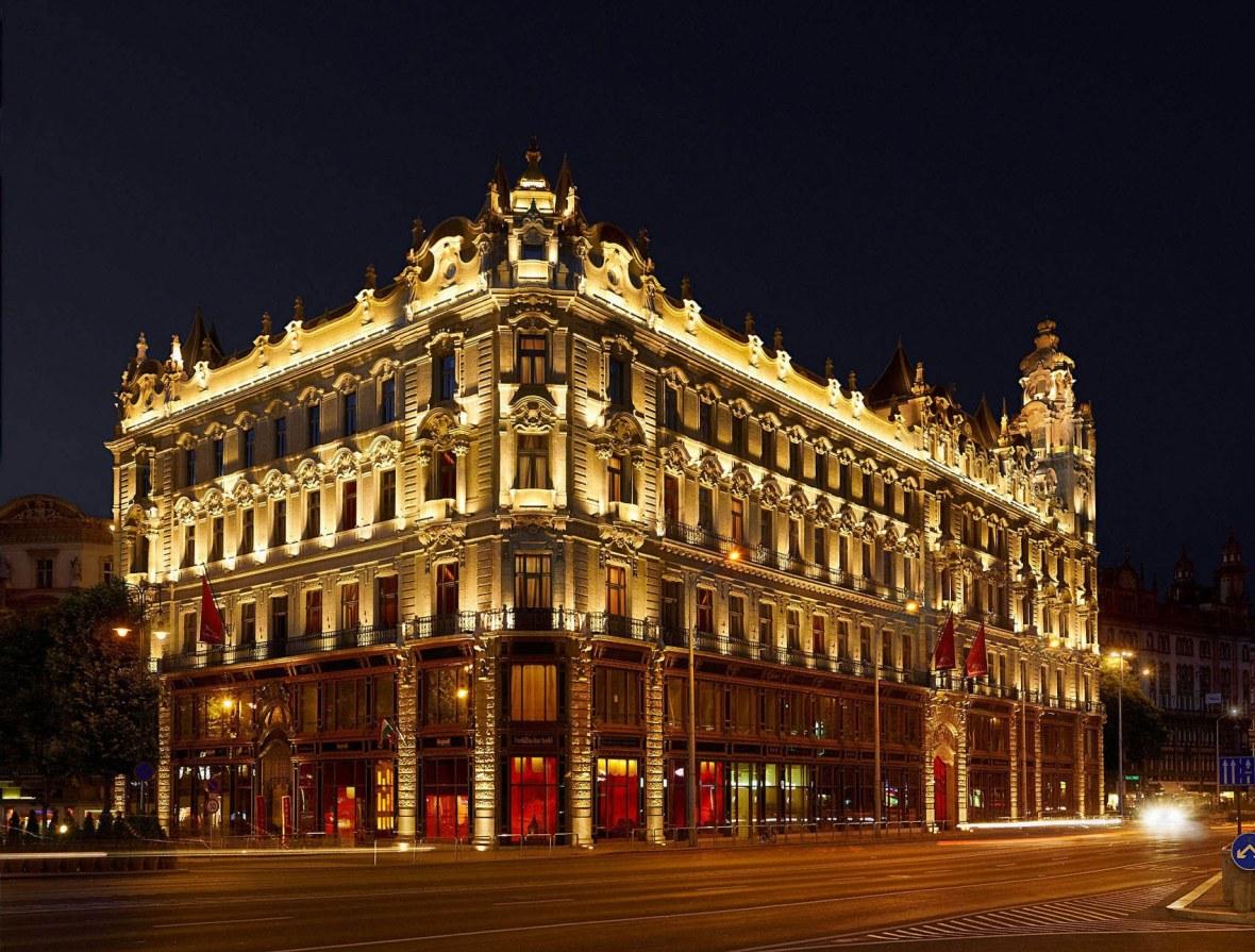 hotel-buddha-bar-budapest-exterior-01