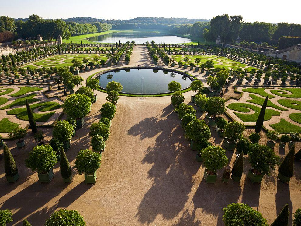 versailles-gardens-france_62755_990x742