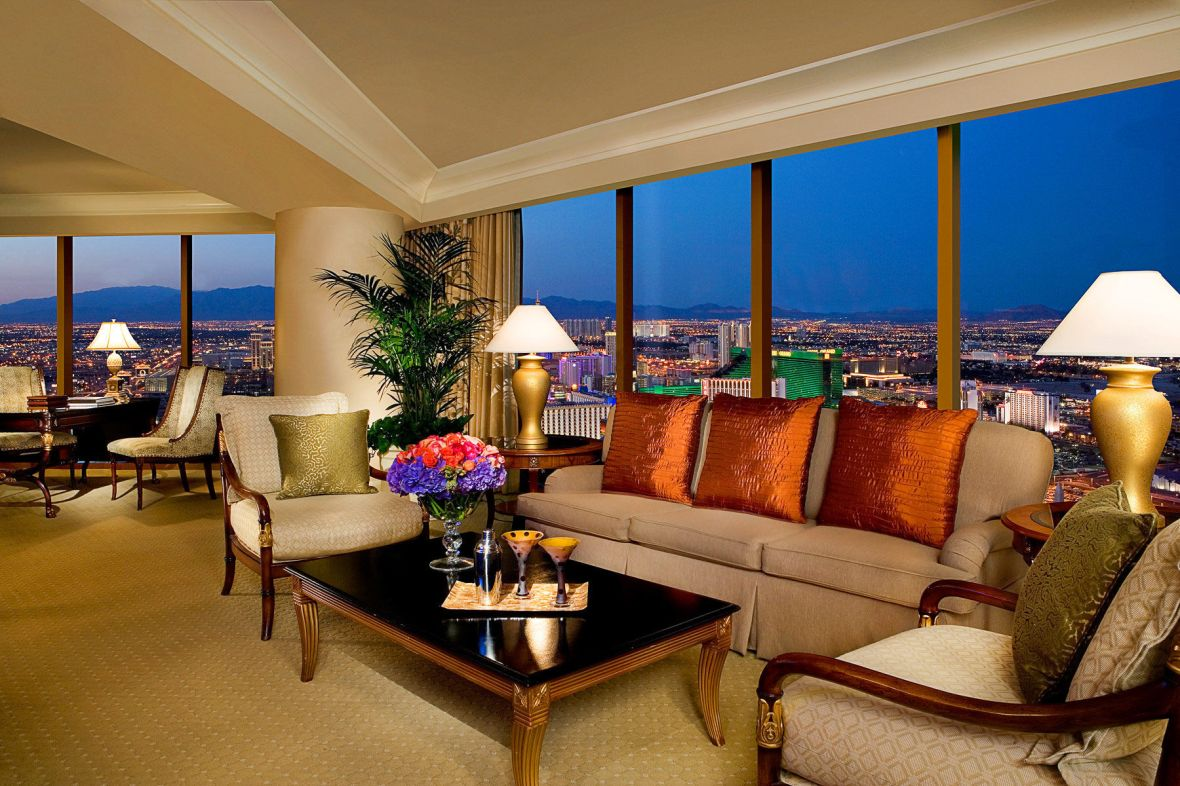 129_1four_seasons_180_view_suite_strip_view_suite_four_seasons