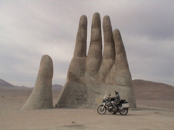 1878865-Hand-in-the-Chile-Desert-0